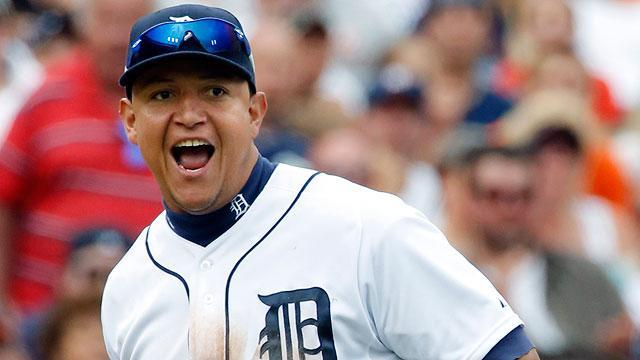 Miguel Cabrera throws gum at Ryan Raburn