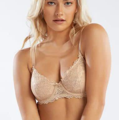 """<strong><a href=""""https://fave.co/2PaNj4w"""" rel=""""nofollow noopener"""" target=""""_blank"""" data-ylk=""""slk:Find this bra for $49 at&nbsp;Savage x Fenty"""" class=""""link rapid-noclick-resp"""">Find this bra for $49 at&nbsp;Savage x Fenty</a></strong>"""