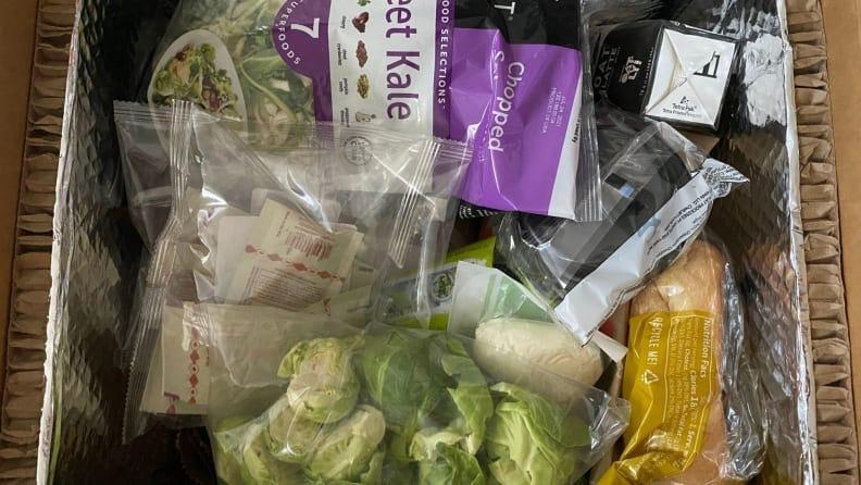 HelloFresh packs all your items in one cardboard box.