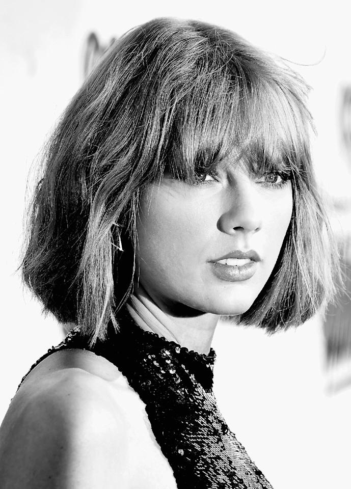 INGLEWOOD, CALIFORNIA - APRIL 03: (EDITORS NOTE: Image was converted from color to black and white.) Recording artist Taylor Swift attends the iHeartRadio Music Awards at The Forum on April 3, 2016 in Inglewood, California. (Photo by Frazer Harrison/Getty Images for iHeartRadio / Turner)