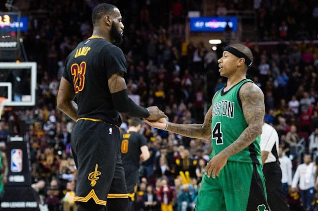 LeBron James (L) of the Cleveland Cavaliers expressed sympathy for Isaiah Thomas following the death of his sister (AFP Photo/Jason Miller)