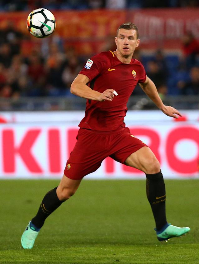 Soccer Football - Serie A - AS Roma vs Genoa - Stadio Olimpico, Rome, Italy - April 18, 2018 Roma's Edin Dzeko in action REUTERS/Alessandro Bianchi