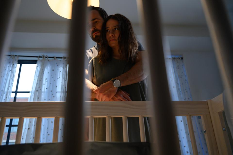 """Justin Theroux and Ilana Glazer) star as a couple whose dream fertility doctor has some red flags in the Hulu psychological horror film """"False Positive."""""""