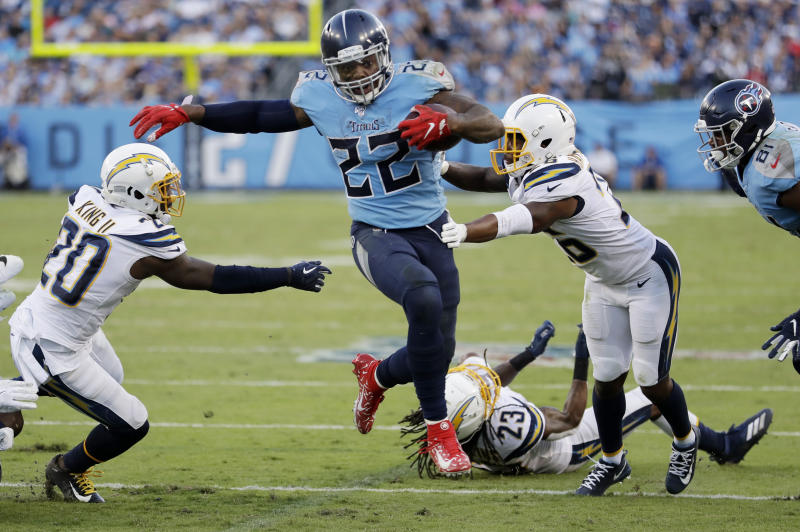 Derrick Henry (22) scores an 11-yard run against the Los Angeles Chargers Kenney in the second half of an NFL soccer game on Sunday, October 20, 2019 in Nashville, Tennessee (AP Photo / James)