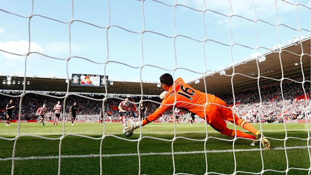 Eldin Jakupovic's stoppage-time penalty save preserved a point for Premier League strugglers Hull City against Southampton in a 0-0 draw.