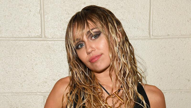 Miley Cyrus Got a Birthday Haircut From...Her Mom