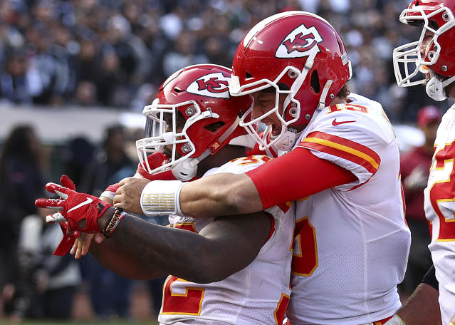 Chiefs running back Spencer Ware (L) will have to help carry the load in the backfield this season for Kansas City. (AP)