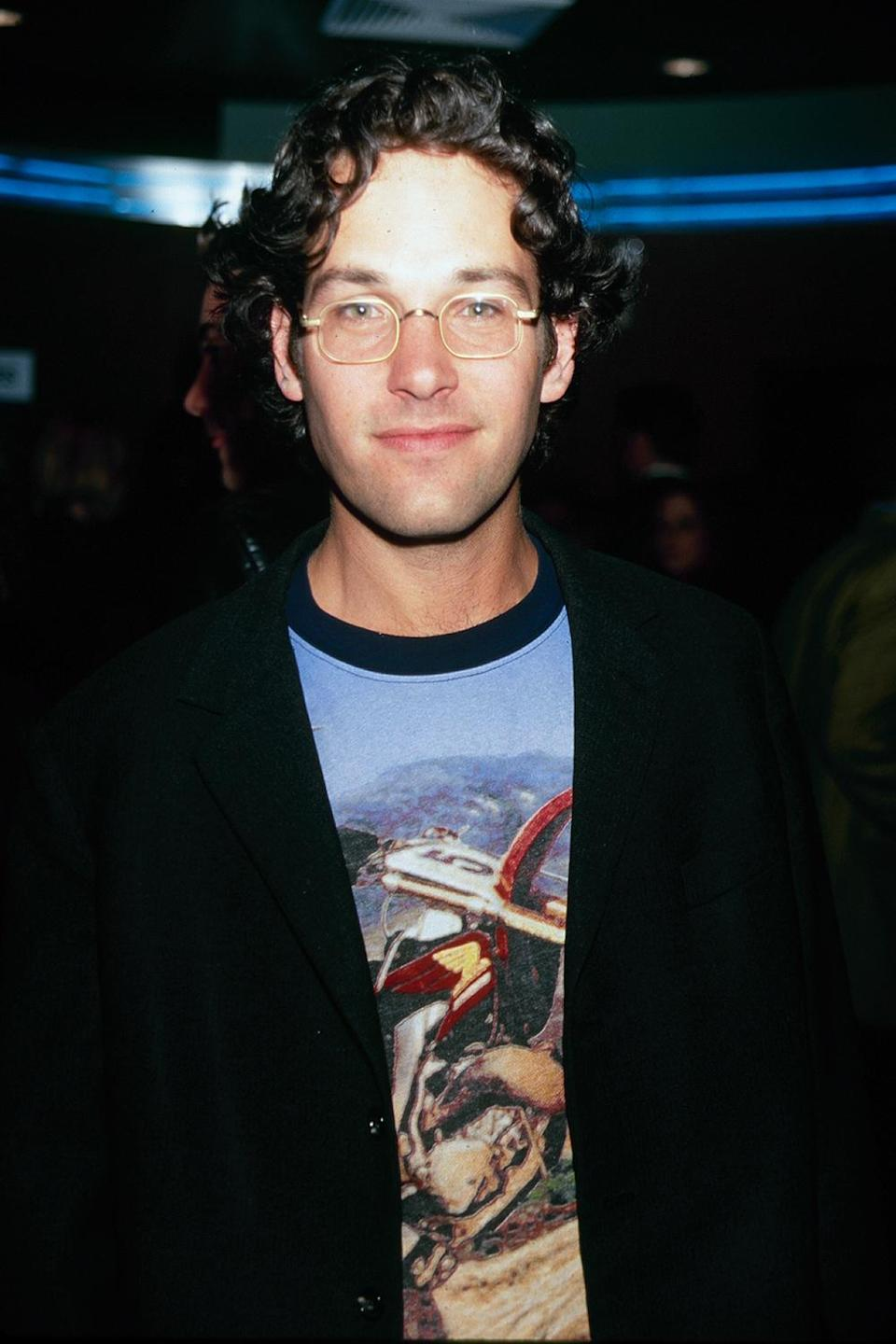 <p>Even glasses wouldn't make it easier to tell when this photo was taken (it was 2000). </p>