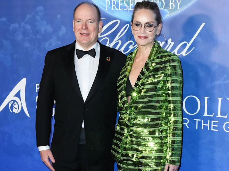 "Fürst Albert II. und Sharon Stone bei der ""Global Ocean Gala"" in Los Angeles (Bild: Xavier Collin/Image Press Agency/ImageCollect)"