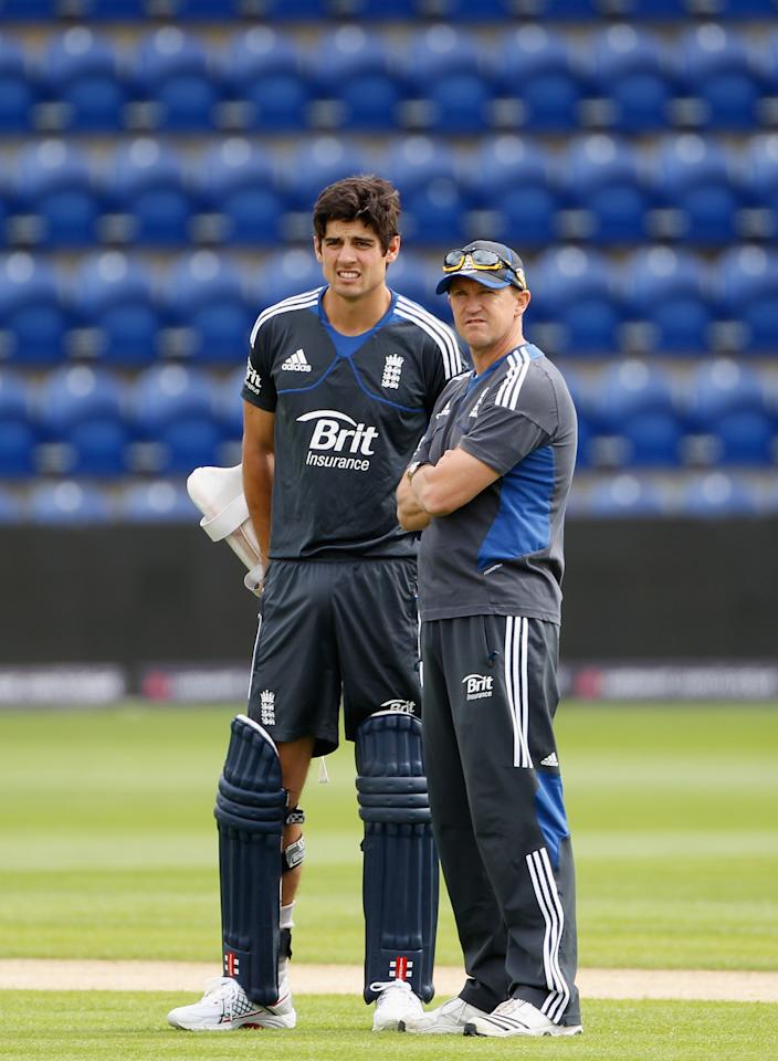 CARDIFF, WALES - AUGUST 23:  Alastair Cook of England has a chat with coach Andy Flower during the England nets session at SWALEC Stadium on August 23, 2012 in Cardiff, Wales.  (Photo by Tom Shaw/Getty Images)