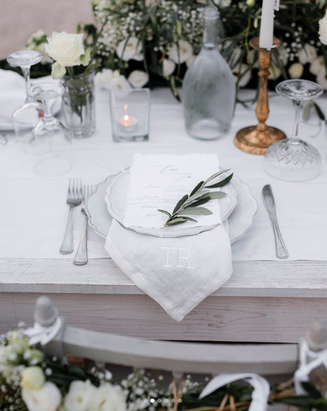 <p>The wedding table was utter perfection, with next level detailling — including personalised napkins. Source: Instagram/AnnaHeinrich </p>