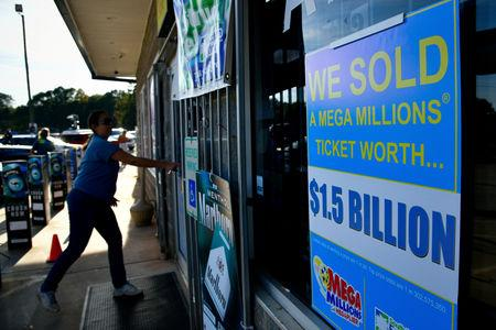 Mega Millions jackpot up to $321 million, drawing is Christmas night