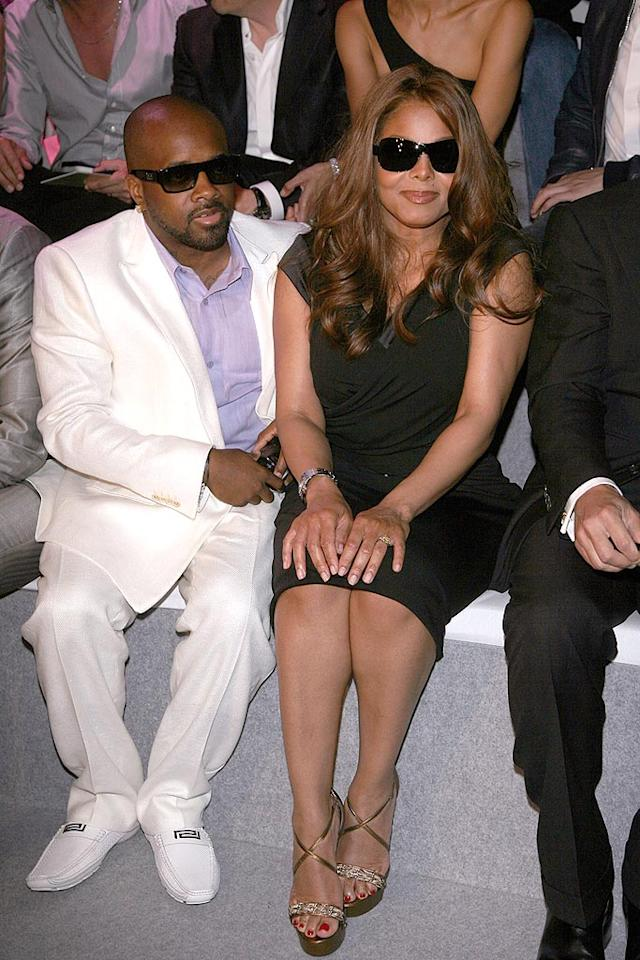 """Janet Jackson and her beau Jermaine Dupri ride front row for Versace's 2009 Spring/Summer menswear show. Venturelli/<a href=""""http://www.wireimage.com"""" target=""""new"""">WireImage.com</a> - June 21, 2008"""