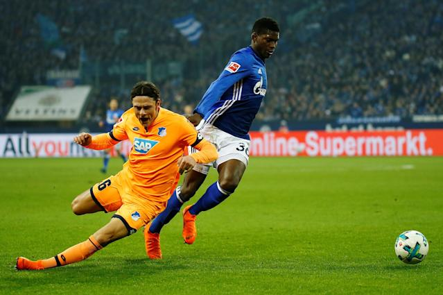 Soccer Football - Bundesliga - Schalke 04 vs TSG 1899 Hoffenheim - Veltins-Arena, Gelsenkirchen, Germany - February 17, 2018 Hoffenheim's Nico Schulz in action with Schalke's Breel Embolo REUTERS/Leon Kuegeler DFL RULES TO LIMIT THE ONLINE USAGE DURING MATCH TIME TO 15 PICTURES PER GAME. IMAGE SEQUENCES TO SIMULATE VIDEO IS NOT ALLOWED AT ANY TIME. FOR FURTHER QUERIES PLEASE CONTACT DFL DIRECTLY AT + 49 69 650050