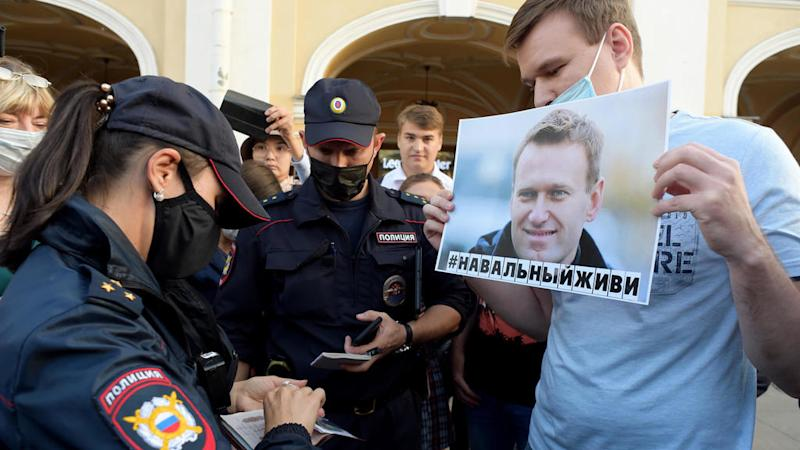 France says Navalny victim of 'criminal act', calls on Russia to carry out 'transparent' probe