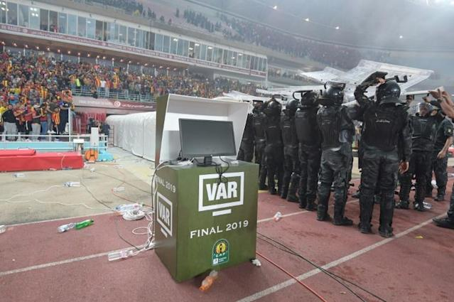 Esperance qualified for the African Super Cup by winning the Champions League despite a controversy over VAR (AFP Photo/FETHI BELAID)
