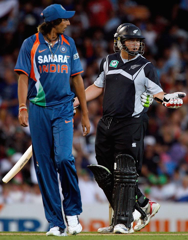 AUCKLAND, NEW ZEALAND - MARCH 14:  Jesse Ryder of New Zealand talks back with Ishant Sharma of India during the fifth one day international match between the New Zealand Black Caps and India at Eden Park on March 14, 2009 in Auckland, New Zealand.  (Photo by Hannah Johnston/Getty Images)