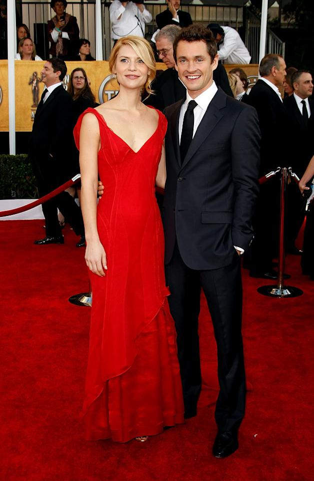 """<a href=""""/claire-danes/contributor/31463"""">Claire Danes</a> and <a href=""""/hugh-dancy/contributor/38310"""">Hugh Dancy</a> arrives at the <a href=""""/15th-annual-screen-actors-guild-awards/show/44244"""">15th Annual Screen Actors Guild Awards</a> held at the Shrine Auditorium on January 25, 2009 in Los Angeles, California."""