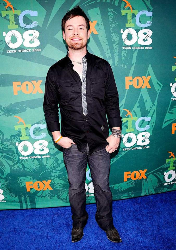 """Reigning """"Idol"""" champ David Cook was all smiles upon entering the star-studded event in a simple shirt and jeans. K Mazur/<a href=""""http://www.wireimage.com"""" target=""""new"""">WireImage.com</a> - August 3, 2008"""