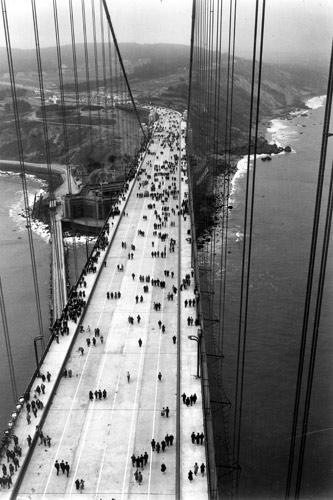 Pedestrian day from the north tower. From the holdings of the Golden Gate Bridge, Highway and Transportation District, Used with Permission, www.goldengate.org