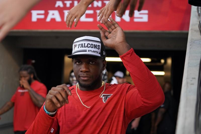 NFL notebook: Patriots acquire WR Sanu from Falcons