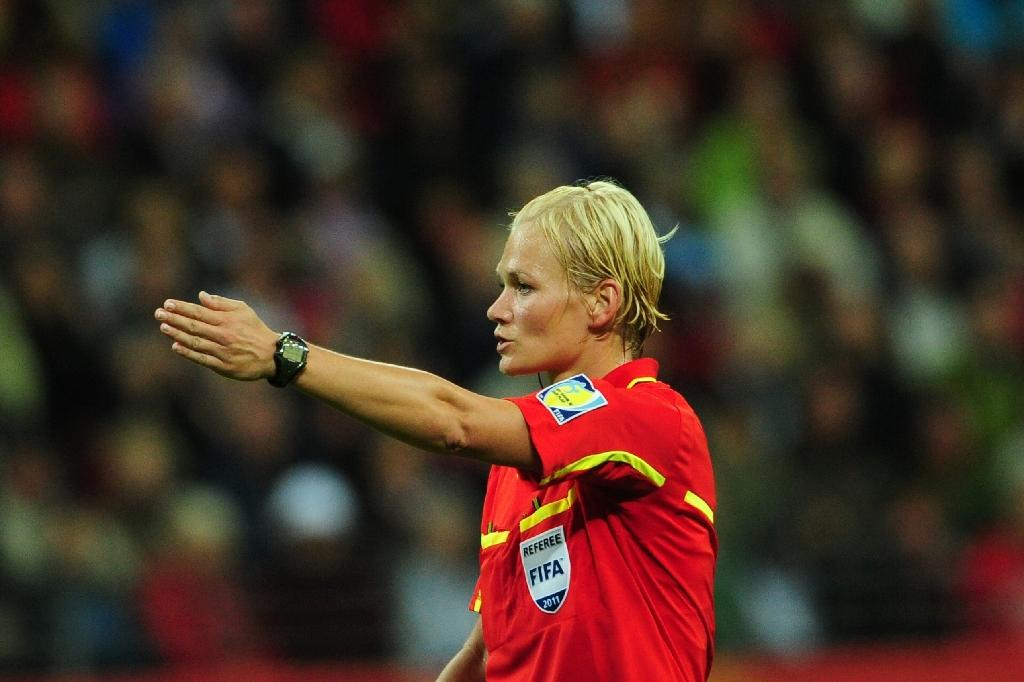 German referee Bibiana Steinhaus gestures during the FIFA Women's Football World Cup final match Japan vs USA on July 17, 2011 in Frankfurt am Main, western Germany (AFP Photo/JOHANNES EISELE)