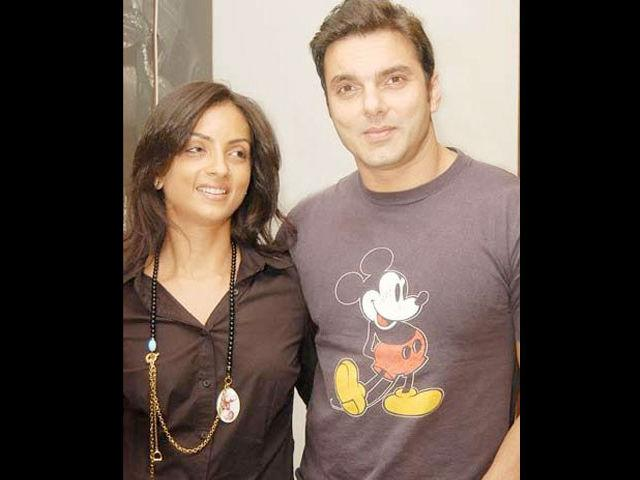 Sohail Khan eloped with Seema Sachdev, a Punjabi girl. They had an Arya Samaj wedding and later on, there was a nikaah.