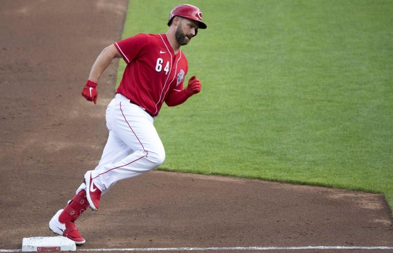 Reds infielder Davidson tests positive for COVID-19