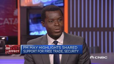 Kokou Agbo-Bloua, global head of flow strategy and solutions at Societe Generale, speaks about the impact of Brexit on sterling and the U.K. housing market.