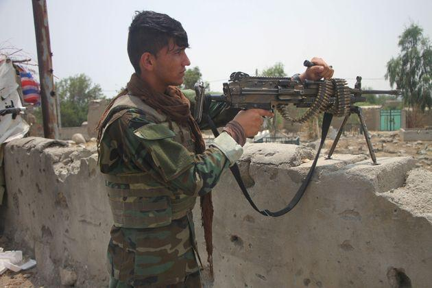 <strong>A member of Afghan security force takes part in a military operation against Taliban militants in Alishing district of Laghman province, eastern Afghanistan.</strong> (Photo: Xinhua News Agency via Getty Images)