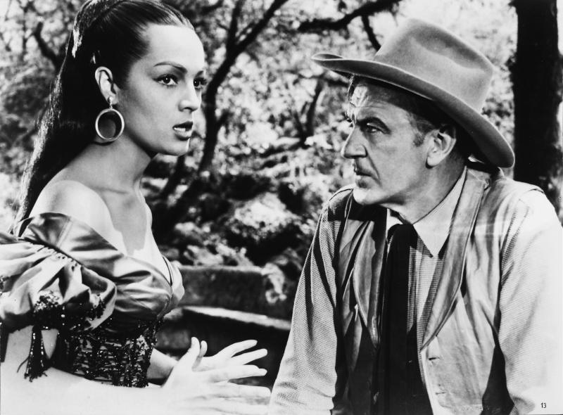 "Sarita Montiel, Gary Cooper in ""Vera Cruz"" 1954 (Photo by RDB/ullstein bild via Getty Images)"
