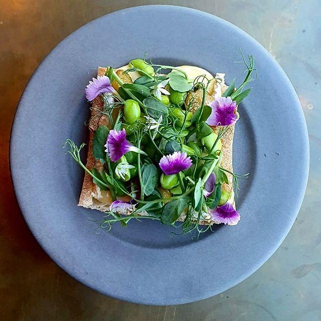"<p>Sample the best of fine dining by way of acclaimed chef Ollie Dabbous with <a href=""https://hide.co.uk/home/"" rel=""nofollow noopener"" target=""_blank"" data-ylk=""slk:Hide"" class=""link rapid-noclick-resp"">Hide</a>'s delivery service. Indulge yourself in one of the weekend set menus or brunches (all dishes are designed to travel well) or just go à la carte, and opt for a main - perhaps roast Iberico pork with black pudding, mango chutney and fennel slaw, or glazed salmon with white miso and green asparagus. Desserts and wine via Hedonism are also on offer. </p><p><strong>Delivery radius</strong>: Within a seven-mile radius of its Mayfair restaurant (W1J 7NB).</p><p><a href=""https://www.instagram.com/p/CAfiFSVHnQE/?utm_source=ig_embed&utm_campaign=loading"" rel=""nofollow noopener"" target=""_blank"" data-ylk=""slk:See the original post on Instagram"" class=""link rapid-noclick-resp"">See the original post on Instagram</a></p>"