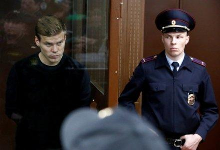 FILE PHOTO: Russian soccer player Alexander Kokorin, who was detained and accused of carrying out attacks, attends a court hearing in Moscow, Russia October 11, 2018. REUTERS/Sergei Karpukhin/File Photo