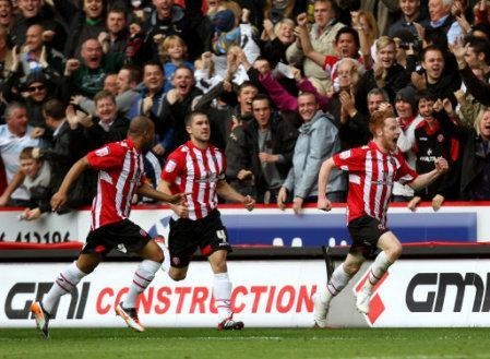 Sheffield United's Stephen Quinn celebrates scoring the opening goal of the game
