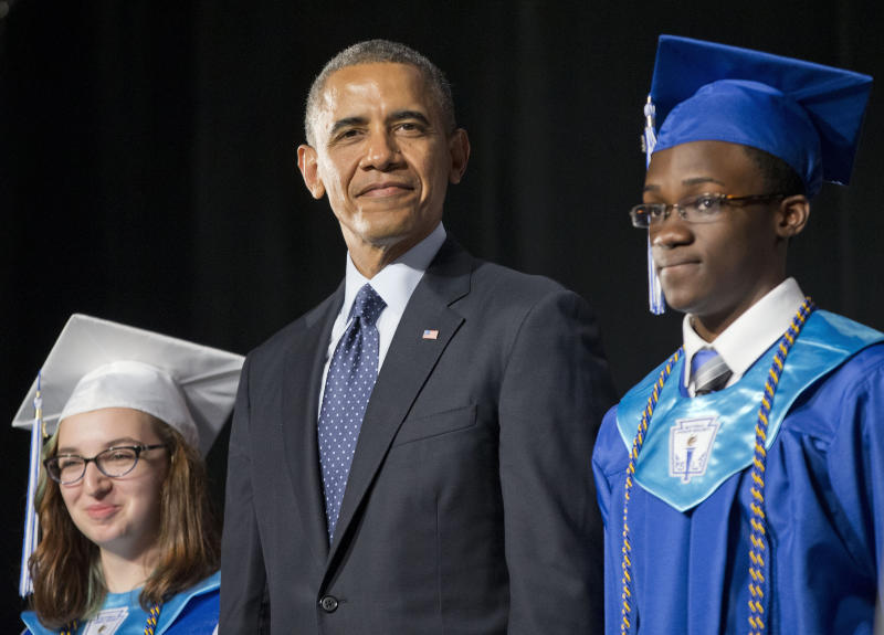 Obama holds up technical school as model for US