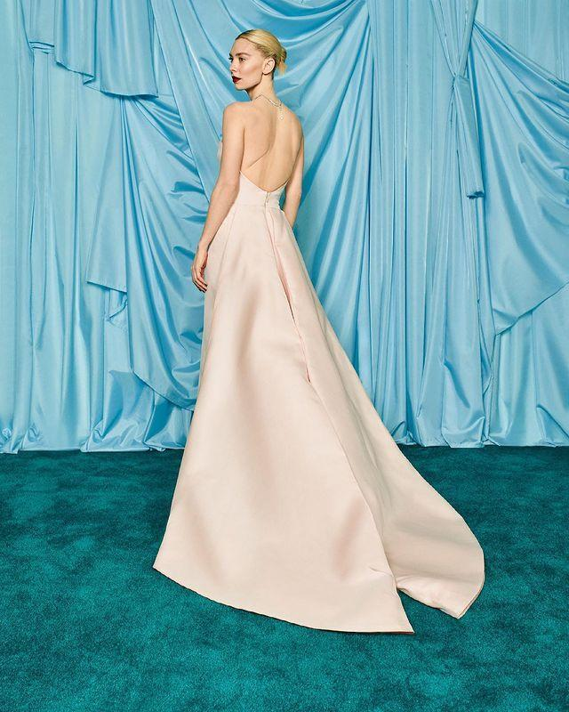 <p>The Best Actress nominee stunned in a backless floor-length gown, draped in Cartier High Jewelry.</p>