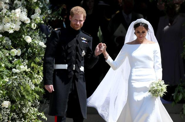 Prince Harry andthe Duchess of Sussexleave St George's Chapel in Windsor Castle after their wedding.