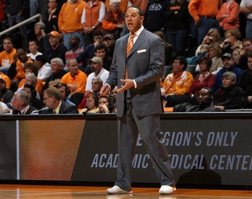 Tennessee uses tough defense to beat Auburn 64-49