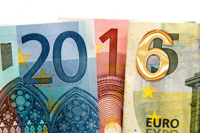 CLose up on 2016 written with euros bank notes
