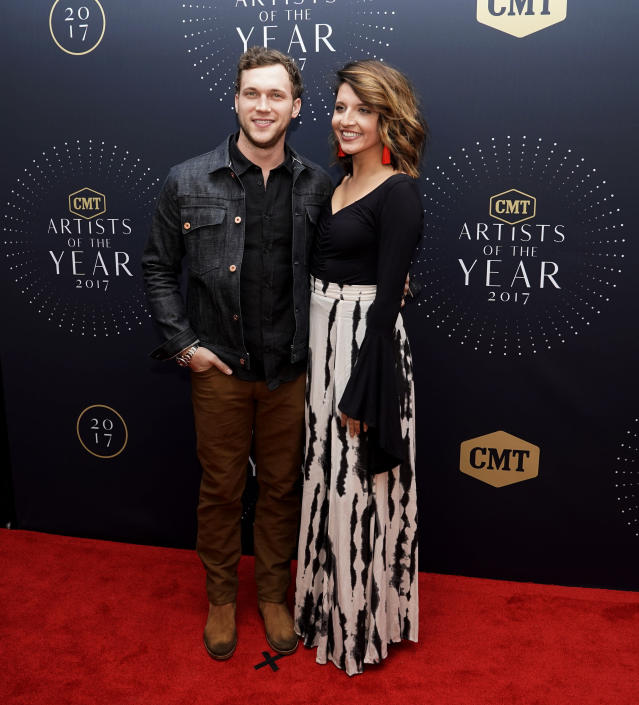 Phillip Phillips and his wife, Hannah Blackwell. (Photo: Sanford Myers/Invision/AP)