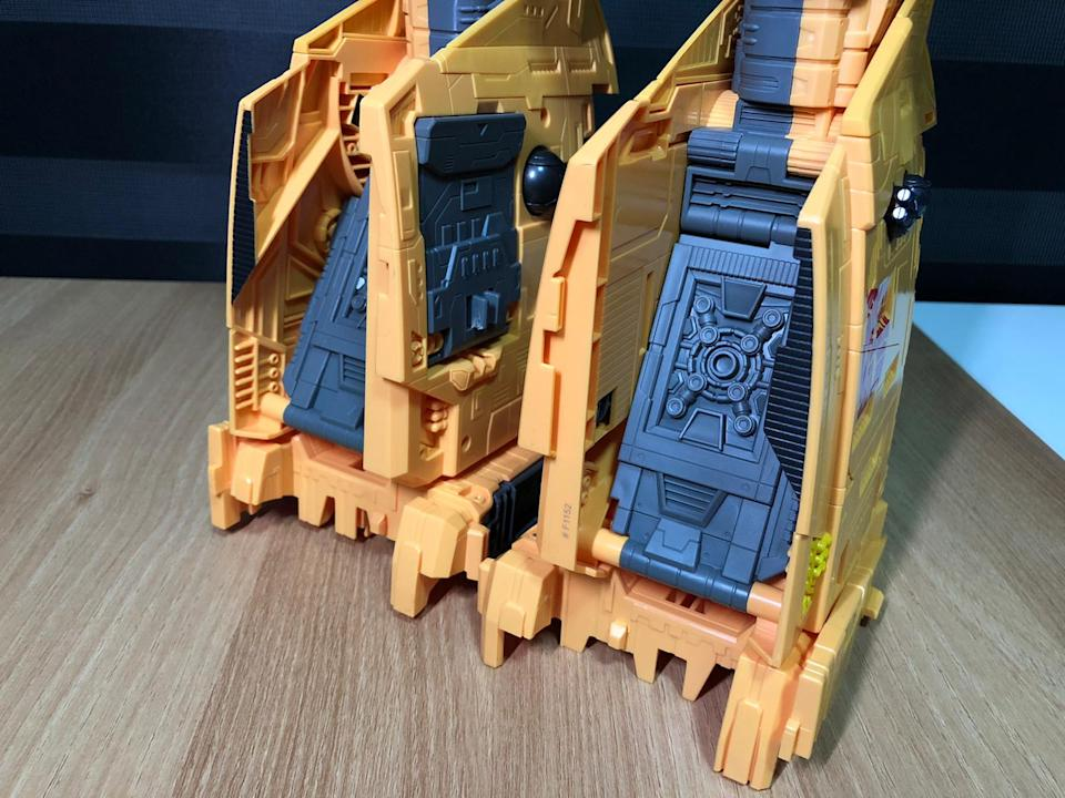The Ark's legs are hollow but solid.