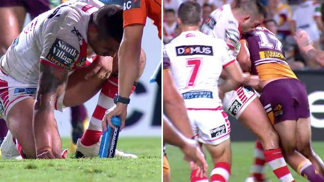 Su'a left Vaughan in a world of pain. Image: Fox Sports