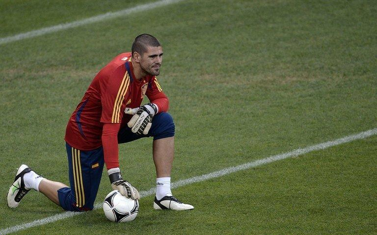 Spanish goalkeeper Victor Valdes pictured during a training session in Donetsk, Ukraine, on June 22, 2012