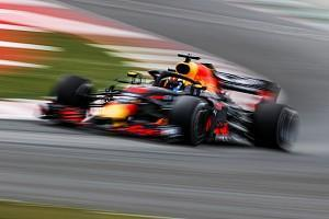Red Bull driver Daniel Ricciardo has called upon Formula 1's tyre supplier to bring its softest compound to every grand prix