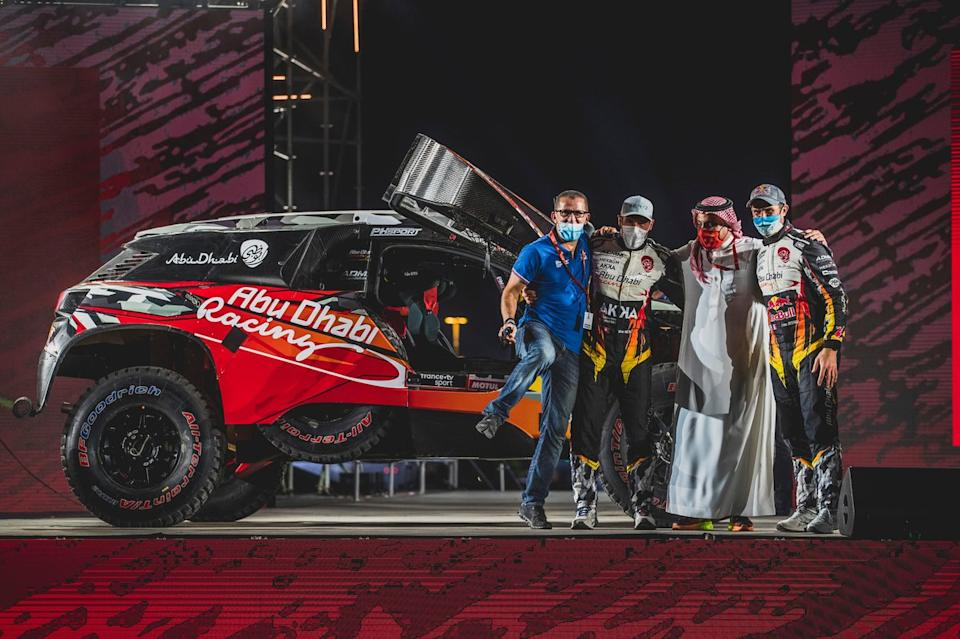 """#314 Abu Dhabi Racing Peugeot: Cyril Despres, Mike Horn<span class=""""copyright"""">Red Bull Content Pool</span>"""