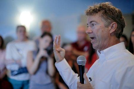 U.S. Republican presidential candidate and U.S. Senator Rand Paul speaks during a campaign stop at the Airport Diner in Manchester, New Hampshire September 2, 2015.   REUTERS/Brian Snyder