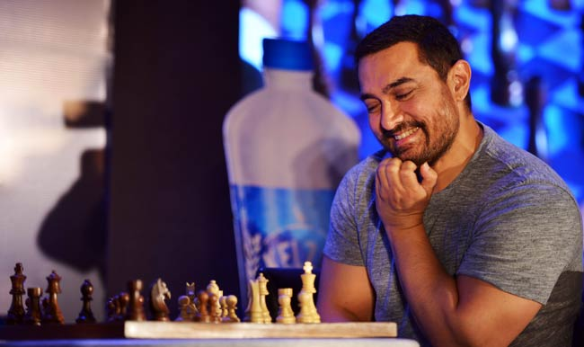 Aamir Khan: This perfectionist loves playing Chess and has already won championships. Whenever he gets the time the actor loves to spend time on an occasional board of chess.