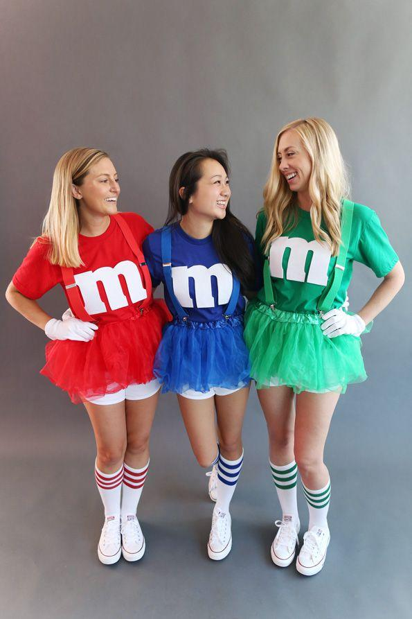 "<p>Get the whole group involved with these sweet matching costumes for friends.</p><p><strong>Get the tutorial at <a rel=""nofollow"" href=""https://ideas.evite.com/diy/top-10-last-minute-halloween-costumes/?crlt.pid=camp.omu4cEr1AN4E"">Evite</a>.</strong></p><p><a rel=""nofollow"" href=""https://www.amazon.com/s/ref=sr_ex_n_1?rh=n%3A7141123011%2Cn%3A7147440011%2Ck%3Atutu&bbn=7141123011&keywords=tutu&ie=UTF8&qid=1536694467"">SHOP TUTUS</a></p>"