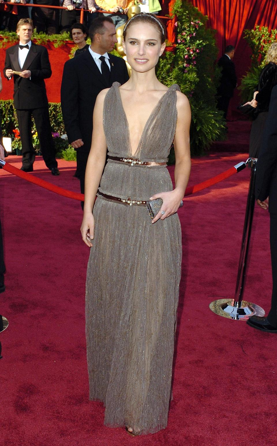 <p>This Lanvin gown made Natalie look like a Greek goddess.</p>