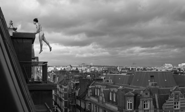 Naked free runner takes incredible pictures  over London
